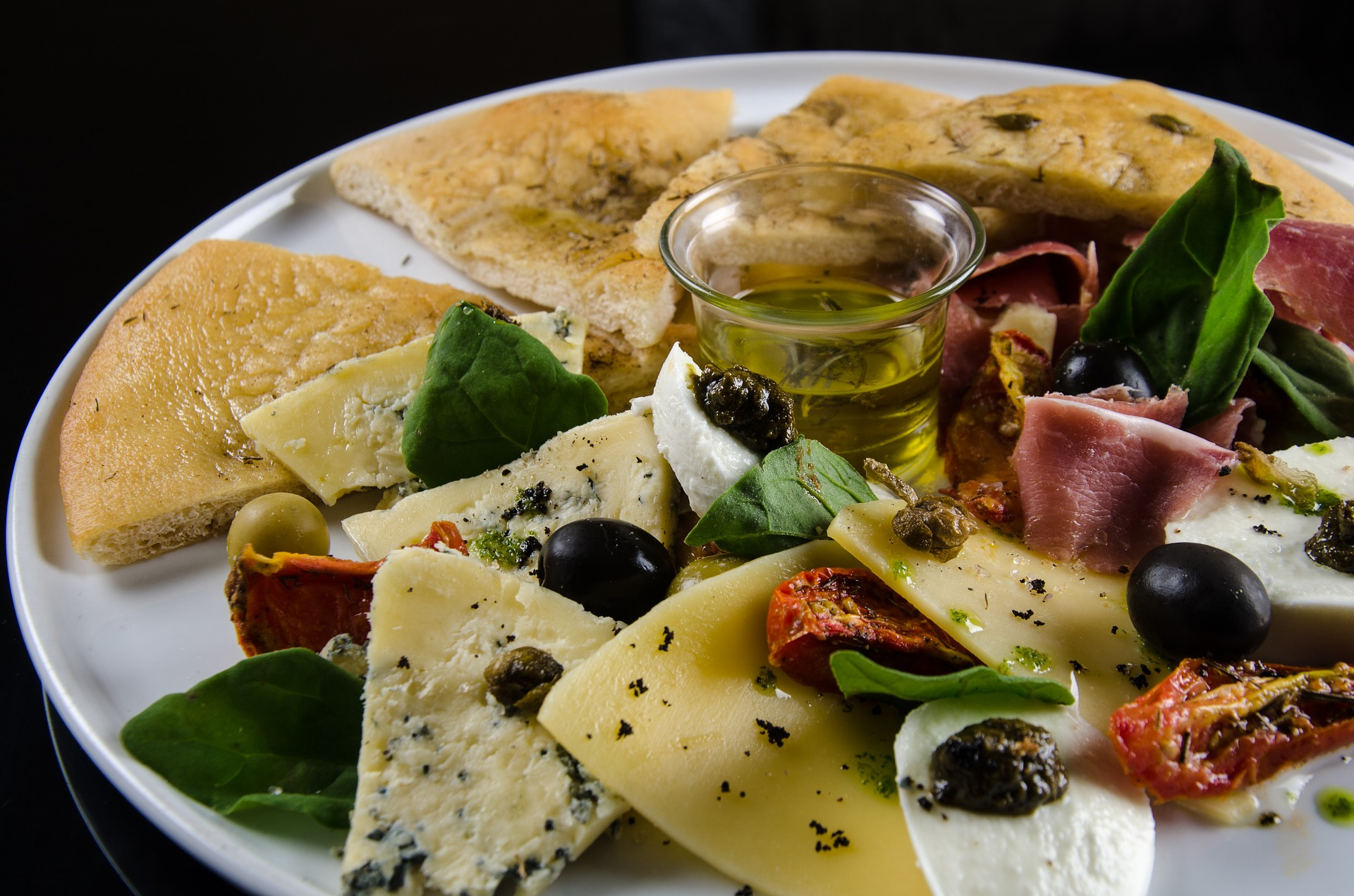 foccacia-with-olives-3411842_1920